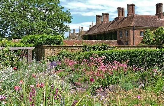 Barrington Court Garden