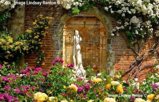 Hever Castle Garden